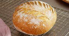 Lite er bedre enn nystekt, ferskt havrebrød. Saftig, sunt og godt. Men ikke gå i varmefella. Bruk kun tempererte råvarer og kaldt vann. Hevingen skjer uansett, bare du gir brødet nok tid. Lykke til!