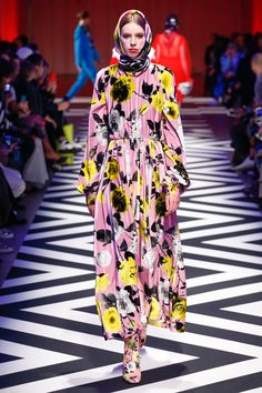 MSGM Fall 2017 Ready-to-Wear Collection Photos - Vogue (Floral Velvet Maxi Dress)
