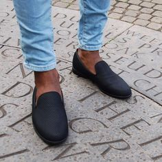 """8,251 mentions J'aime, 22 commentaires - THE MANITY (@themanity) sur Instagram: """"Pyramid Black loafers from @dukedexter - handmade in England 🇬🇧👌🏽"""""""