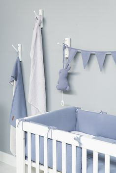 Babykamer - Babyroom - Nursery - Badcape baby - Bathcape baby - Bedbumper - Blue colors - Musicbox - Babydeken - Wiegdeken - Ledikantdeken - Babyblanket - Crib blanket - Cot blanket