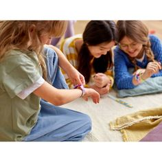 LEGO DOTS Bracelet Mega Pack DIY Creative Craft Bracelet-Making Kit For Kids 41913 : Target New Kids Toys, Toddler Toys, Toys For Boys, Star Wars Art Projects For Kids, Cool Art Projects, Creative Crafts, Diy Crafts For Kids, Cute Friendship Bracelets, Star Wars Set