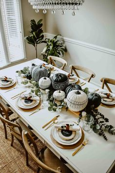 Thanksgiving Tablescapes: Unique, Modern & Moody Fall Place Settings - Miranda Schroeder