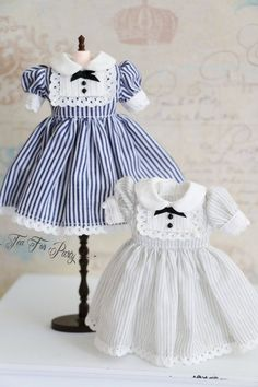 Welcome to ~~Tea For Party~  Vintage style Blythe Dress Set for 12  blythe.  Two colors: Blue or grey  Item include : 1 x Dress + 1 x hair accessory.