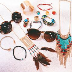 Diggin' the festival style! Festival Fashion, Festival Style, Garage Clothing, Platform, Boho, Lady, How To Wear, Passion, Accessories