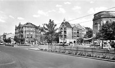 Stadtteilzeitung Schöneberg, Friedenau.  The emperor oak before the 2nd World War.