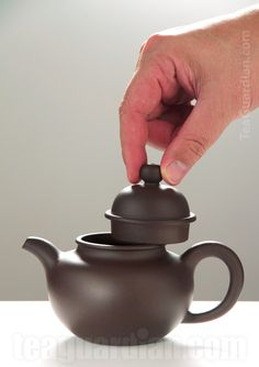 the standard form Yixing teapot
