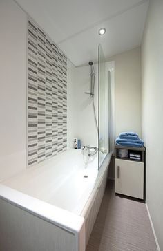 Bath optional extra in place of shower (38ft two bedroom model)