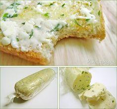 """Essa manteiga vale à pena ter """"estocada"""", ésuperversátil: vai bem em cima de um filé, de legumes ou mesmo com um pão quentinho. É muito simples de fazer. Eu usei 1 pot…"""