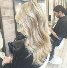 golden balayage hair✨ – Tutorial Per Capelli Ombré Hair, Hair Day, New Hair, Neutral Blonde Hair, Dark Blonde, Cool Toned Blonde Hair, Medium Blonde Hair, Light Blonde Hair, Gold Blonde