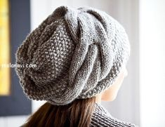 Knitting: A slouchy beanie hat in moss stitch using Rowan 'Purelife' undyed wool (pattern is NOT free) Hand Knitting, Knitting Patterns, Crochet Patterns, Hat Patterns, Slouch Beanie, Beanie Hats, Slouchy Hat, Beanies, Knitted Hats