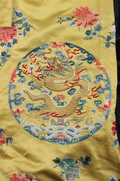 CHINESE Imperial Silk | Chinese embroidered 'Imperial' yellow silk coat and matching bag en ...