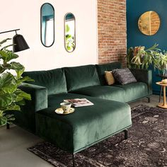 All Details You Need to Know About Home Decoration - Modern Living Room Green, Boho Living Room, Interior Design Living Room, Home And Living, Living Room Designs, Living Room Decor, Sofa Design, Dark Green Couches, Velvet Green Couch
