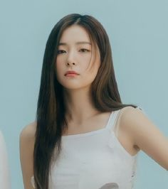 Red Velvet Seulgi, Red Velvet Irene, Blue Velvet, Kpop Girl Groups, Kpop Girls, Soyeon, Blue Aesthetic, Celebs, Celebrities