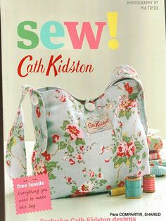 Sew yourself a wonderful Cath Kidston needlecase & pincushion. Free tutorial with pictures on how to make a needle & pin cases in under 60 minutes by sewing with fabric, felt, and thread. Inspired by cath kidston. How To posted by Cath Kidston. Cath Kidston, Easy Sewing Projects, Sewing Crafts, Simple Projects, Magazine Couture, Sewing Magazines, Knitted Bags, Book Crafts, Craft Books