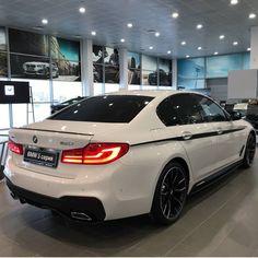 14.6 тис. вподобань, 34 коментарів – BMW ///Mpower (@bmw_club_official) в Instagram: «BMW 5series G30  Tag us #bmw_club_official CREW @bmw_club_official #mpower #g30 #f90 #bmw…»