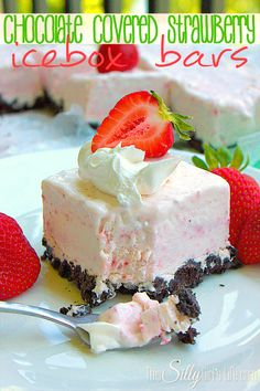 Chocolate Covered Strawberry Icebox Bars - 22 oreos, crushed ½ stick butter, softened 8 oz cream cheese, softened 1 can sweetened condensed milk 6 oz pureed strawberries (about strawberries, pureed in a blender) 8 oz whipped topping Ice Cream Desserts, Frozen Desserts, Summer Desserts, Frozen Treats, Just Desserts, Delicious Desserts, Dessert Recipes, Pink Desserts, Frozen Key Lime Pie
