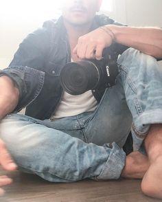 Quiero verte volar. Quiero verte bailar. Si quieres bailamos. Si quieres nos reímos del mundo y de quien dijo que no se puede tener todo lo que quieres. Si quieres aprendemos a querer todo lo que tenemos y encender una luz que marque el camino hacia donde la vida se ve de otro color. #Youtube #motivacion #feliz #vida #sueños #pasion #amor #belleza #photography #light #photographer #designer #me #artist #natural #love #filmmaker #design #creative #yourself