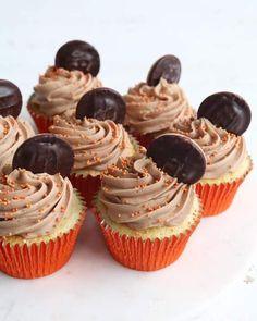 Mini Cupcakes, Cupcake Cakes, Cupcake Ideas, Orange Jam, Orange Buttercream, Jaffa Cake, Recipe For Teens, Vanilla Sponge, Cupcake Flavors