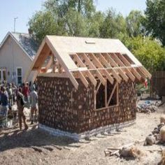 Build a Greenhouse: The Amazing, Low-cost, Multipurpose, Solar-heated Greenhouse/Guest House