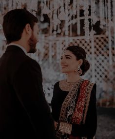 Indian Wedding Poses, Indian Bridal Outfits, Desi Wedding, Bridal Dresses, Beautiful Girl Photo, Beautiful Girl Indian, Beautiful Children, Sabyasachi Sarees, Cute Couple Comics