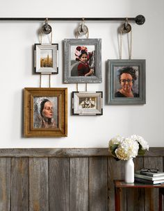 Make a Farmhouse Gallery Wall with This DIY Project Give your gallery wall the industrial treatment with a DIY pulley frame hanger! Hanging Picture Frames, Picture Hangers, Hanging Pictures, Hanging Wall Art, Frames On Wall, Photo Hanging, Metal Picture Frames, Industrial Home Design, Vintage Industrial Decor
