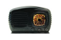 An old-fashioned bakelite radio