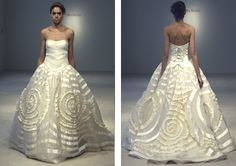 This GORGEOUS Vera Wang Dress has almost exactly the same details as Jacqueline Kennedy's gown from 1953. Check it out!