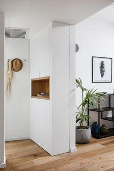Apartment entrance modern dsesign designed by: Meital Irany & Sivan Goldfeld Photo by: Shiran Carmel Apartment Entrance, Tall Cabinet Storage, House Styles, Modern, Room, Furniture, Studio, Videos, Photos