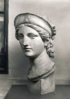 ◦Archaeology and History of Art. ◦MA in Classical Archaeology. ◦Sculpture and art inspired by ancient greek and ancient roman culture and mythology. Ancient Greek Sculpture, Greek Statues, Sculpture Head, Roman Sculpture, Art Antique, Greek Art, Renaissance Art, Italian Renaissance, Art Reference