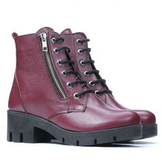 Hiking Boots, Combat Boots, Model, Shoes, Fashion, Moda, Zapatos, Shoes Outlet