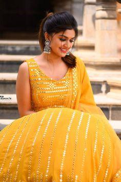 Sanjana Anand at Adhuri Lover movie launch wearing yellow ghagra styled by Celebrity Stylist Laxmi Krishna. Captured by Celebrity Photographer Arun Kummar. Kannada Actress Photograph KANNADA ACTRESS PHOTOGRAPH | IN.PINTEREST.COM FASHION EDUCRATSWEB