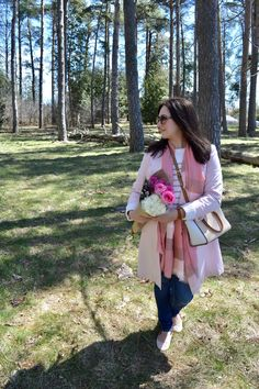 Preppy pink spring outfit