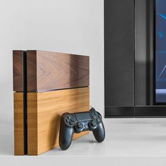 Wooden Cover PlayStation 4 / This is a genuine Wooden Cover for the Sony PlayStation 4 from German manufacturer Balolo. http://thegadgetflow.com/portfolio/wooden-cover-playstation-4/
