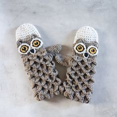 Mittens Crochet Patterns – Great Cozy Gift - A More Crafty Life Owl Crochet Pattern Free, Crochet Gloves Pattern, Crochet Slippers, Crochet Hats, Free Crochet, French Pattern, Crocodile Stitch, Crochet Instructions, Crochet For Beginners
