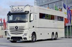"Concorde's aptly named ""Centurion"" rests on the triple-axle Mercedes-Benz Actros 2542 chassis and naturally includes full air suspension. Credit: Daimler AG"