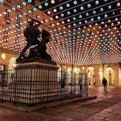 PIAZZA PALAZZO DI CITTA' e il monumento ad Amedeo VI detto il #conteverde #torino #torinoèlamiacittà #torinobynight #lucidartista #lucidinatale #monumento #lovestorino #ig_torino #ig_turin #luminarie #lucine #turinheart #instatorino #ig_piemonte #instapiemonte #piazzapalazzodicittà #ciauturin Foto di @virtulerph