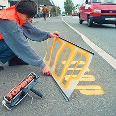 Schablonen für Fahrbahnmarkierung