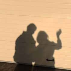 beige cream off white garage shadow aesthetic couple Couple Aesthetic, Beige Aesthetic, Aesthetic Pictures, Aesthetic Photo, Couple Shadow, Couple Ulzzang, Rukia Bleach, Photographie Portrait Inspiration, Shadow Pictures