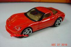HOT WHEELS 2004 58 C6 Corvette Red