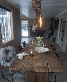 Jeg deltar i konkurransen hos @ikeasorlandet som spør etter mitt meste likte bilde i 2018. Det er stas at kjøkkenet på hytta er så godt… Bothy, Living Styles, Wooden House, Unique Furniture, Dining Room Table, Interior Decorating, Cottage, Indoor, Patio
