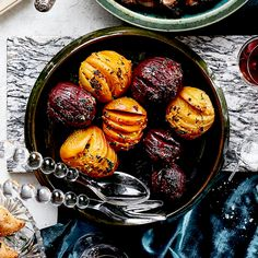 Hasselback Beets with Shallot & Orange Butter. Lighten up your dinner and brighten up your table with this colorful veggie side. Beet Recipes, Veggie Recipes, Smoothie Recipes, Orange Recipes, Yummy Recipes, Recipies, Holiday Dinner, Holiday Tables, Orange Butter Recipe