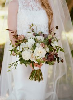Mauve inspired bridal bouquet from La Fleuriste. Photo by Christina McNeill