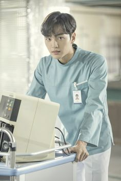 Man To Man Kdrama, Seo Woo, Doctors Korean Drama, Ahn Hyo Seop, Romantic Doctor, Science Fiction, Handsome Korean Actors, Lee Sung Kyung, Movies And Series