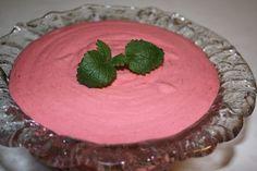Velkommen til Kjøkkenkroken: Bringebærmousse (til kakefyll eller dessert)