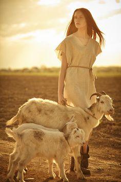 Young Shepherd with goats. - Young Shepherd with goats. Horse Senior Pictures, Softball Senior Pictures, Senior Boy Poses, Pictures With Horses, Senior Portrait Poses, Country Senior Pictures, Senior Picture Outfits, Senior Pictures Boys, Senior Pics