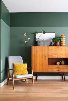 MY ATTIC / Flexa Pure paint / green wall / groen / vintage interior / livingroom Photography: Marij Hessel www.entermyattic.com