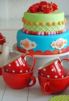 Would make a gorgeous wedding cake for our wedding - maybe with one more tier  - red with white polkadots!