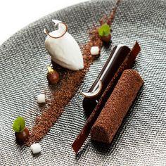 Accord chocolat coco ! #coconut #chocolat #Taillevent #degustation #bounty #dessert #lazer #francoisdaubinet by francoisdaubinet