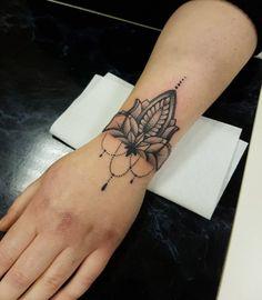 54 Best Mandala Bracelet Tattoo Images Body Art Tattoos Female