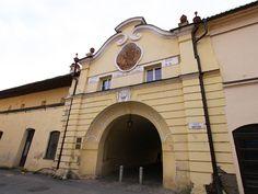 Floriánova brána, časť mestských hradieb, Prešov Mansions, House Styles, Home Decor, Decoration Home, Manor Houses, Room Decor, Villas, Mansion, Home Interior Design